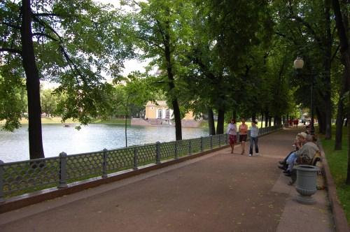 Russians enjoying the park around Patriarch's Ponds.